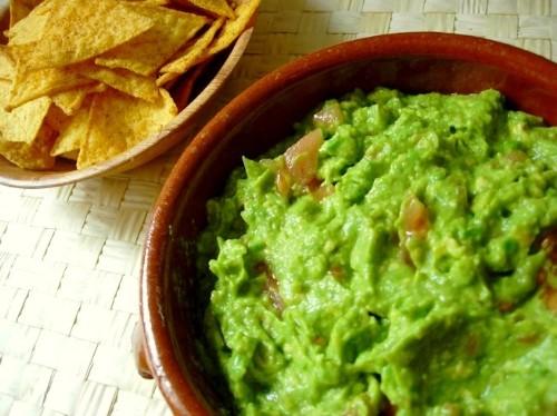 Easy Guacamole – An Organic, Fast, Healthy Snack!