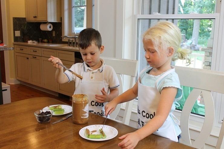 beginner-dull-knife-skills-spreading